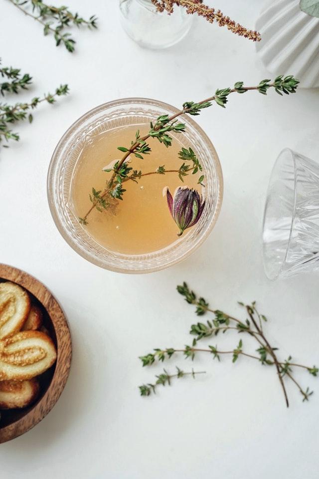 Ziołowe herbaty wzmacniają naturalną odporność i dostarczają cennych składników